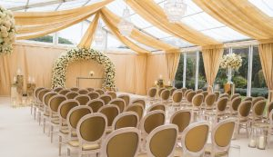 glass marquee wedding at Le Manoir Aux Quat' Saisons